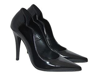 9af8a3c8ece Γόβες 2018: 21 προτάσεις από γνωστά καταστήματα παπουτσιών σε τιμές ...
