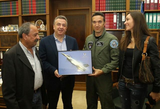 Αποτέλεσμα εικόνας για στους πρωτους ο ελληνας πιλοτος Γιωργος ανδρουλακης
