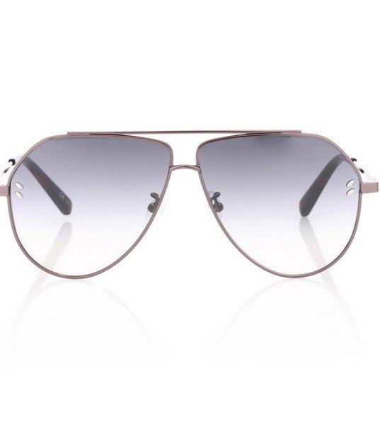 """Μια παραλλαγή στα Aviator γυαλιά ηλίου μιας και το κόψιμο τους είναι λίγο  πιο """"άγριο"""". Μοναδικός ο ασημί σκελετός και τα ασημί τζάμια που στο τέλος  ... 502ce284387"""