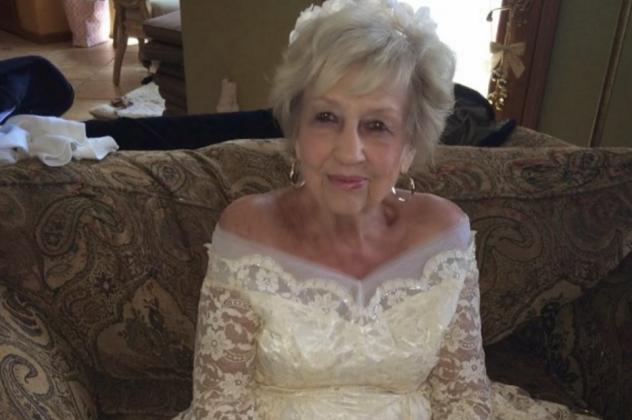 Αυτά είναι... 85χρονη Κεφαλονίτισσα παντρεύτηκε 33χρονο γείτονα της!!