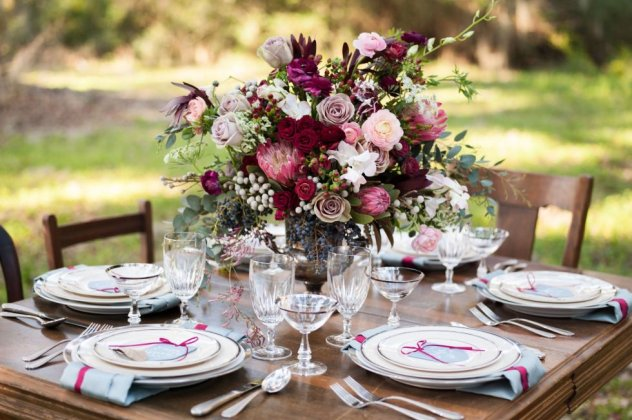 7f72e4897e25 Παντρεύεστε φθινόπωρο  20 εντυπωσιακές ανθοσυνθέσεις για να διακοσμήσετε τα  τραπέζια του γάμου