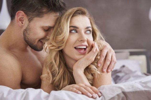 Ζεστό υγρό μαύρο σεξ