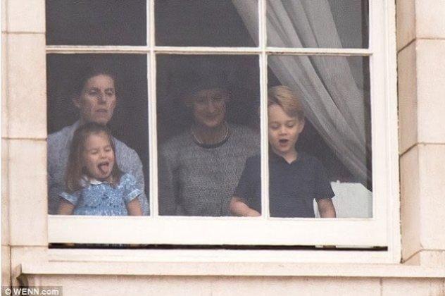 7a82e251229 Μπορεί να έχουν υποχρεώσεις που άλλα παιδάκια στην ηλικία τους δεν έχουν  ουτέ καν φανταστεί και να χαίρουν μεγάλου σεβασμού ως μέλη της βρετανικής  βασιλικής ...