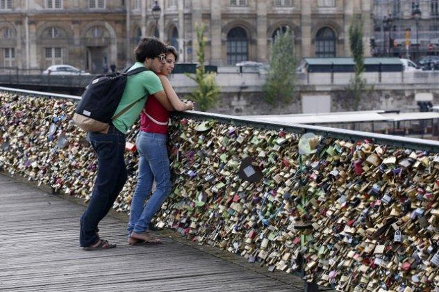 γέφυρα ραντεβού δωρεάν ιστοσελίδες γνωριμιών στην Στοκχόλμη