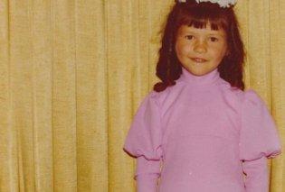 Ποιο είναι αυτό το χαριτωμένο κοριτσάκι που μεγαλώνοντας έγινε σταρ του Χόλιγουντ; (ΦΩΤΟ) - Κυρίως Φωτογραφία - Gallery - Video