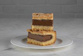 Το γλυκό που έγινε εμμονή: Σοκολατένια πάστα φλώρα από τον Άκη Πετρετζίκη (Βίντεο) - Κυρίως Φωτογραφία - Gallery - Video