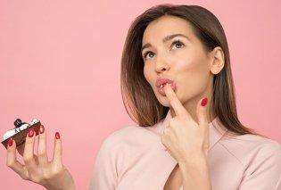 Σαρκώδη χείλη με φυσικό τρόπο, με μυστικά μακιγιάζ και άλλες μεθόδους - Κυρίως Φωτογραφία - Gallery - Video