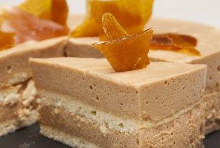 Ο Στέλιος Παρλιάρος μάς φτιάχνει εντυπωσιακή τούρτα καραμέλα - Απίστευτο καλοκαιρινό γλύκισμα  - Κυρίως Φωτογραφία - Gallery - Video