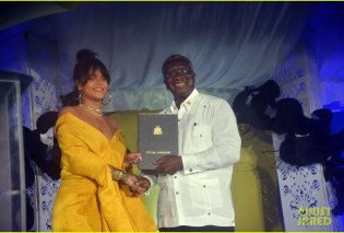 Top Woman η Ριάνα: Έγινε πρέσβειρα της πατρίδας της των Barbados για την προώθηση του τουρισμού & των επενδύσεων (φώτο)  - Κυρίως Φωτογραφία - Gallery - Video