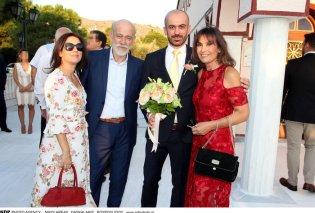 Φτυστός ο γαμπρός με τον Γιώργο Λιάνη: Ο μοναχογιός του δημοσιογράφου και της Λιζέτας Νικολάου παντρεύτηκε - Κυρίως Φωτογραφία - Gallery - Video
