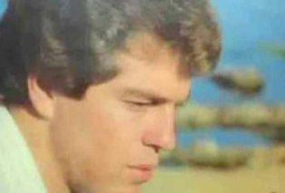 Ποιος ήταν ο Έλληνας τραγουδιστής που αυτοκτόνησε στις ράγες του ΗΣΑΠ  - Κυρίως Φωτογραφία - Gallery - Video