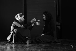"""""""Η αγάπη άργησε μια μέρα"""" - Μια συγκλονιστική παράσταση με 10 γυναίκες που αγαπάτε: Πρωταγωνίστριες συγγραφέα σκηνοθέτη!    - Κυρίως Φωτογραφία - Gallery - Video"""
