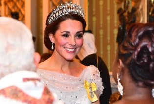 Βασιλικές εμφανίσεις: H Kέιτ Πριγκίπισσα του Χιονιού, η Βασίλισσα Ελισάβετ & η Καμίλα με όλα τα Swarowski στις τουαλέτες (φωτό) - Κυρίως Φωτογραφία - Gallery - Video