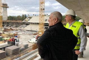 ΑΕΚ: Ο αρχιτέκτονας Θανάσης Κυρατσούς και ο Δημήτρης Μελισσανίδης εξετάζουν τα τελικά σχέδια για το νέο γήπεδο - Κυρίως Φωτογραφία - Gallery - Video