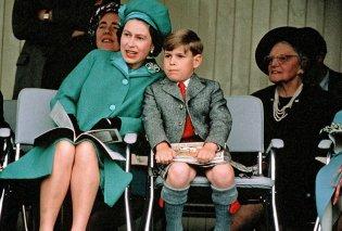 Σπάνιες vintage pics: Η νεότατη βασίλισσα Ελισάβετ με τον νεογέννητο γιο της πρίγκιπα Ανδρέα - Κυρίως Φωτογραφία - Gallery - Video