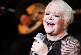 Το βίντεο της ημέρας: H Μαίρη Λίντα ερμηνεύει τραγούδια της μέσα στο Γηροκομείο Αθηνών όπου ζει - Κυρίως Φωτογραφία - Gallery - Video