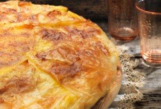 Αργυρώ Μπαρμπαρίγου: Παραδοσιακή γαλατόπιτα με καραμελωμένο τραγανό φύλλο κρούστας και αφράτη κρέμα με σιμιγδάλι - Κυρίως Φωτογραφία - Gallery - Video
