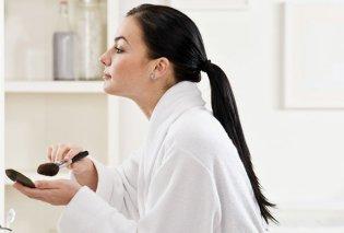 Τα τέλεια βήματα για γρήγορο και άψογο πρωινό μακιγιάζ που θα σας χαρίσει τη λάμψη που αναζητάτε - Κυρίως Φωτογραφία - Gallery - Video