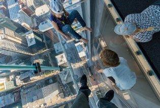 Εφιάλτης στον 103ο όροφο ουρανοξύστη: Απολάμβαναν τη μαγική θέα από το γυάλινο πάτωμα όταν αυτό... έσπασε (φώτο-βίντεο) - Κυρίως Φωτογραφία - Gallery - Video
