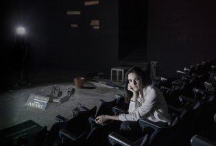 "Good News: Ο ""Άμλετ"" σε σκηνοθεσία Κατερίνας Ευαγγελάτου ανεβαίνει στο ιστορικό αμφιθέατρο του Σπύρου Ευαγγελάτου στην Πλάκα  - Κυρίως Φωτογραφία - Gallery - Video"
