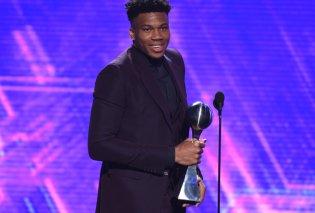 Το «Οσκαρ» του αθλητισμού στον Giannis! - Αναδείχθηκε «Αθλητής της χρονιάς» στις ΗΠΑ στα ESPY'S Awards (φωτό & βίντεο) - Κυρίως Φωτογραφία - Gallery - Video