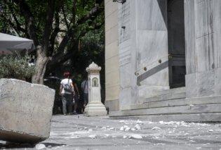 Τα δυσάρεστα θέλουν και την πλάκα τους : Ηλικιωμένη τρέχει μετά το σεισμό με μια κατσαρόλα στο κεφάλι (φωτό) - Κυρίως Φωτογραφία - Gallery - Video