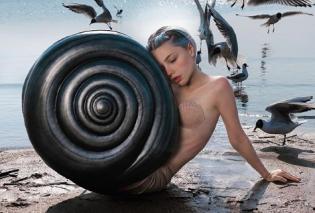 Η πιο διάσημη γυναίκα – ψευδαίσθηση του Instagram: Δημιουργεί απίθανα σκηνικά, την κυνηγούν οι followers - Κυρίως Φωτογραφία - Gallery - Video