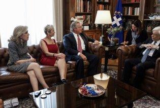 """Την πρόεδρο του ιδρύματος Robert F. Kennedy - Κέρι Κένεντι & την Μαριάννα Βαρδινογιάννη πρόεδρο της """"Ελπίδας"""" υποδέχθηκε ο ΠτΔ (φώτο- βίντεο) - Κυρίως Φωτογραφία - Gallery - Video"""