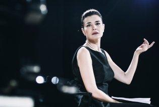 Μαρία Ναυπλιώτου: Η απόλυτη Ελληνίδα - Εξώφυλλο κάτω από την ακρόπολη με κοσμήματα Zolotas & φόρεμα Κοκοσαλάκη (φώτο) - Κυρίως Φωτογραφία - Gallery - Video
