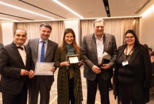Με μεγάλη συγκίνηση παρέλαβα το πρώτο δημοσιογραφικό βραβείο από την «Είδηση» - Πανελλήνια Ένωση Φωτοειδησεογράφων, Φωτογράφων και Εικονοληπτών Επικαίρων (Φωτό) - Κυρίως Φωτογραφία - Gallery - Video