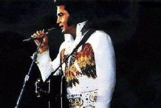 """Κορωνοϊός - Ψυχαγωγία: Σωσίας του Elvis Presley βγήκε στο μπαλκόνι του & ξεσήκωσε τη γειτονιά με το """"Burning Love"""" (βίντεο) - Κυρίως Φωτογραφία - Gallery - Video"""