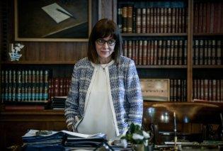 Το new look της Πρόεδρου της Δημοκρατίας με σακάκι τύπου Chanel - Τα clicks από την Τατιάνα Μπόλαρη (Φωτό)  - Κυρίως Φωτογραφία - Gallery - Video