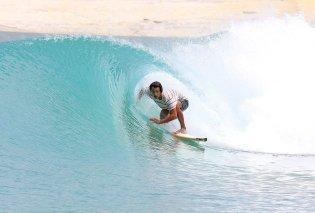 Surf Lakes, η μεγαλύτερη πισίνα στον κόσμο για σέρφινγκ - Καταπράσινα νερά, ένας επίγειος παράδεισος (φωτό & βίντεο)  - Κυρίως Φωτογραφία - Gallery - Video