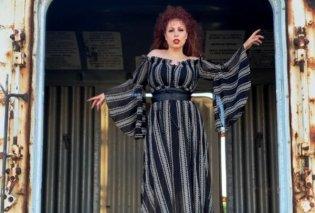 Tι φοράει η Σοφία Κουρτίδου & είναι ο εαυτός της - Το νέο πρόσωπο της  mat. fashion (φωτό) - Κυρίως Φωτογραφία - Gallery - Video