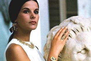 Vintage φωτό: Το σπάνιο κλικ που αποτυπώνει την αρχαιοελληνική ομορφιά της Έλενας Ναθαναήλ στα 60s  - Κυρίως Φωτογραφία - Gallery - Video