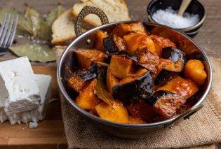 Πατάτες γιαχνί με μελιτζάνες - Ένα καλοκαιρινό, εύκολο & υπέροχο φαγητό από την Αργυρώ Μπαρμπαρίγου - Κυρίως Φωτογραφία - Gallery - Video
