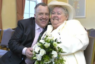 Story of the day: Άνδρας χώρισε την γυναίκα του & παντρεύτηκε την... πεθερά του – Άλλαξε νόμο 500 ετών! - Κυρίως Φωτογραφία - Gallery - Video