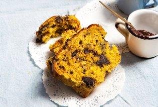 Η Αργυρώ Μπαρμπαρίγου προτείνει: Πεντανόστιμο, αφράτο κέικ με άρωμα πορτοκαλιού και σοκολατένια απόλαυση - Κυρίως Φωτογραφία - Gallery - Video