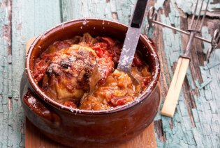 H Aργυρώ Μπαρμπαρίγου προτείνει: Κοτόπουλο με χυλοπίτες στο φούρνο - Κυρίως Φωτογραφία - Gallery - Video