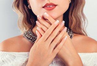 Γαλλικό μανικιούρ με στρας: 30+1 σχέδια για κομψά νύχια με λάμψη - Κυρίως Φωτογραφία - Gallery - Video