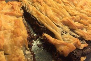 Η Αργυρώ Μπαρμπαρίγου μας ετοιμάζει υπέροχη σοκολατόπιτα με φύλλο - Θα την λατρέχετε - Κυρίως Φωτογραφία - Gallery - Video