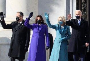 Το styling & οι «πρώτες κυρίες» της ορκωμοσίας: Με royal blue η Αντιπρόεδρος Καμαλα Χαρις, με βεραμάν παλτό η σύζυγος του Μπάιντεν & ασορτί γάντια (φωτό & βιντεο) - Κυρίως Φωτογραφία - Gallery - Video