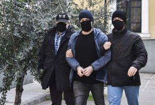 Ολοκληρώθηκε η  μαραθώνια απολογία Λιγνάδη - Ξεκίνησε η κατάθεση των 5 μαρτύρων  -  Στην Ευελπίδων η Ελένη Κούρκουλα & ο αδερφός του ηθοποιού (φώτο)  - Κυρίως Φωτογραφία - Gallery - Video