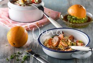 Μια «άπαιχτη» σαλάτα με κινόα από την Ντίνα Νικολάου: Έχει λουκάνικα με πορτοκάλι, ντοματίνια και βινεγκρέτ πορτοκάλι - πετιμέζι - Κυρίως Φωτογραφία - Gallery - Video