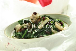 Άλλη μια απίθανη συνταγή από την Ντίνα Νικολάου: Σουπιές με σπανάκι - Προσθέτουμε μαύρες σταφίδες για έξτρα νοστιμιά - Κυρίως Φωτογραφία - Gallery - Video