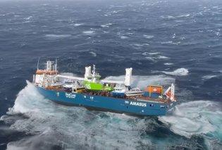 Συνταρακτικές εικόνες από το ακυβέρνητο πλοίο στην θάλασσα της Νορβηγίας - Κύματα 15 μέτρων και χωρίς μηχανές (βίντεο) - Κυρίως Φωτογραφία - Gallery - Video