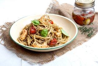 H Αργυρώ Μπαρμπαρίγου σε ένα υπέροχο πιάτο - Σπαγγέτι με pesto, πικάντικες γαρίδες και ντοματίνια κονφί - Κυρίως Φωτογραφία - Gallery - Video