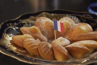 Ο Στέλιος Παρλιάρος μας ταξιδεύει στην Γαλλία: Έτσι θα φτιάξουμε τις περίφημες Madeleines, τα μικρά αφράτα κεκάκια - Κυρίως Φωτογραφία - Gallery - Video