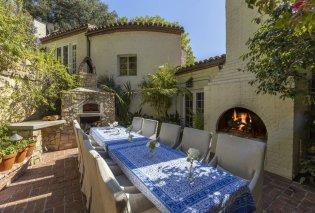 Σε αυτό το ονειρικό  σπίτι έμενε η Κάθριν Χέπμπορν: Ο θρύλος του Χόλιγουντ με το ρεκόρ των  Όσκαρ κερδίζει βραβείο καλού γούστου (φώτο) - Κυρίως Φωτογραφία - Gallery - Video