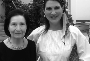 H Έφη Προκοπάκη είναι μία Topwoman! 40 χρόνια μεγαλώνει παιδιά με νοητική υστέρηση, 80 κάθε χρόνο, δεν τα εγκαταλείπει ποτέ ως το τέλος! Γνωρίστε την - Κυρίως Φωτογραφία - Gallery - Video